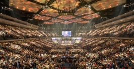 megachurch-worship-service-HIGH
